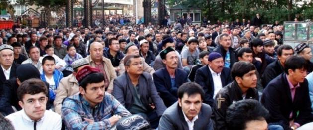 Dehshetlik Zulum Astidiki Uyghurlar